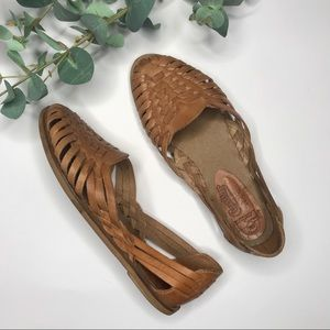 GENUINE LEATHER CASTERS MADE IN BRAZIL WOVEN SHOE